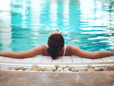 Shot of a young woman relaxing in the pool at a spahttp://195.154.178.81/DATA/i_collage/pi/shoots/805701.jpg